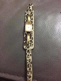 Wanted: Guess leather strap watch