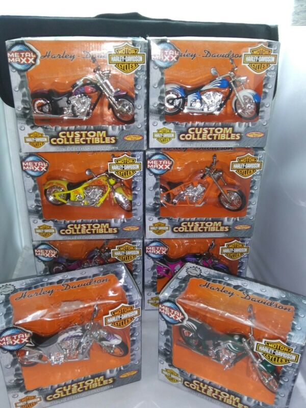 2001 Metal Maxx Harley Davidson Die Cast Motorcycles 1:17 set of 8