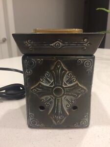 Scentsy Warmer and Bars