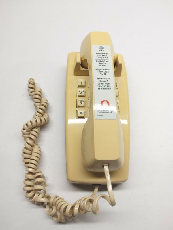 VINTAGE AT&T PUSH BUTTON WALL PHONE TRADITIONAL #100 BY AT&T (PRE-OWNED)