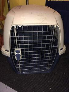 Dog crate medium - airline approved model