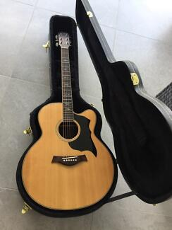 Lukey Acoustic Guitar - Brand new condition, never used