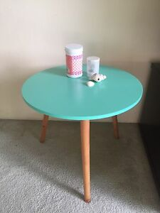 A very pretty side table for sale! Coogee Eastern Suburbs Preview