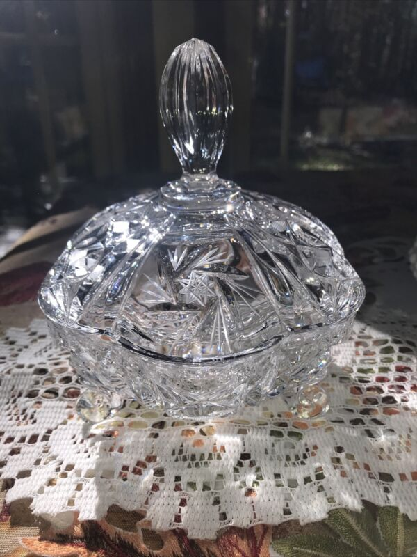 Vintage Star of David pattern Crystal Footed candy dish with lid 6 Diameter