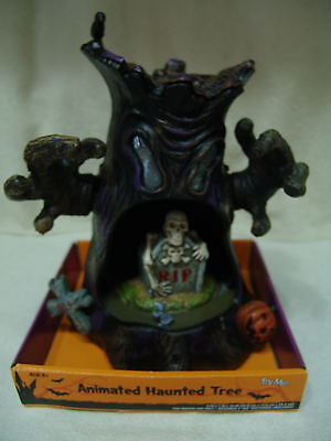 HALLOWEEN ANIMATED HAUNTED MOVING TREE LIGHTS UP PLAYS EERIE SOUNDS