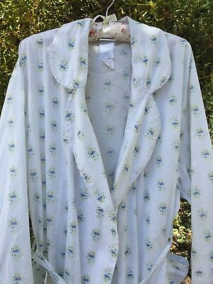 Laura Ashley Vintage Dainty Rose Print  Dressing Gown Size 16 14