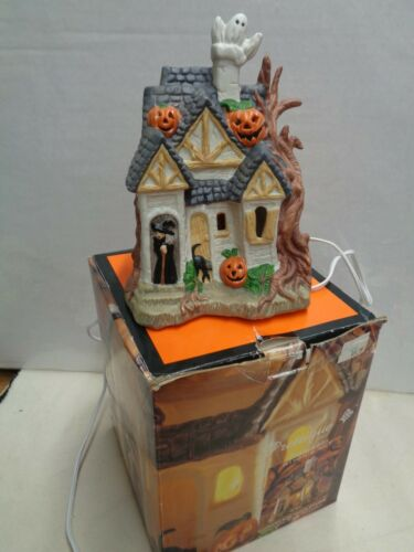 1992 HALLOWEEN prettique porcelain HAUNTED HOUSE in BOX  Vintage Witches Hut !