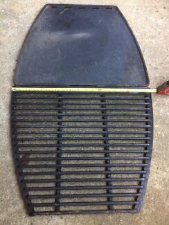 BBQ PLATES X 2..LARGE CAST IRON GRILL AND FLAT PLATE..GC !!