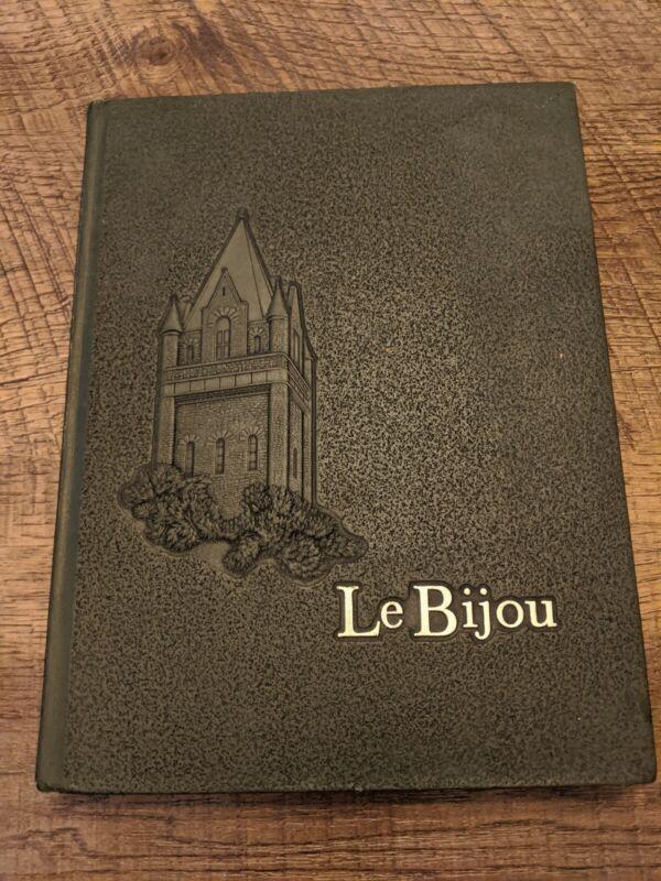 1967 Ohio Wesleyan University Yearbook Le Bijou
