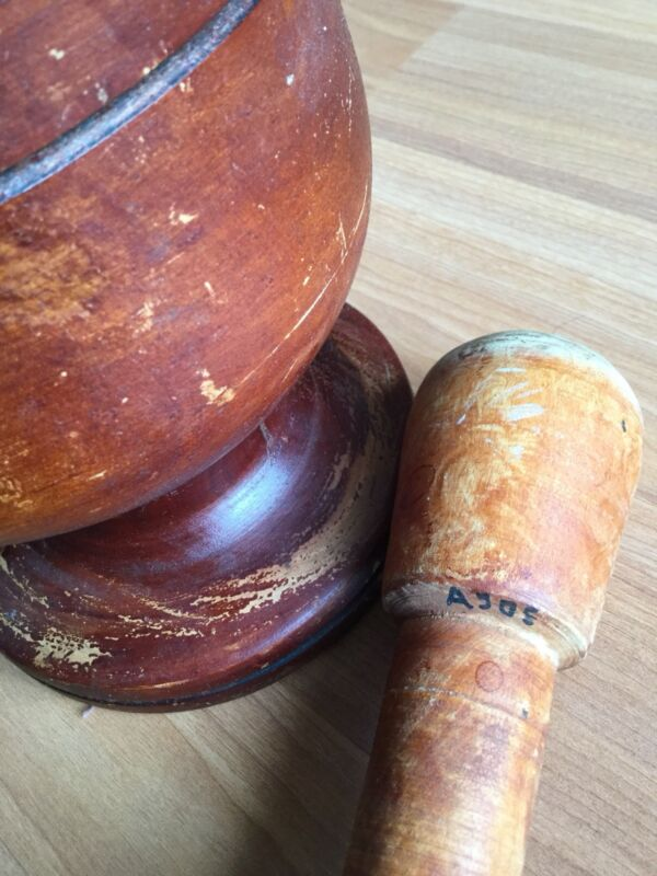 OLD VTG ANTIQUE PRIMITIVE WOOD MORTAR AND PESTLE APOTHECARY PHARMACEUTICAL FOOD