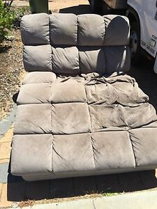 FREE HARVEY NORMAN CHAISE LOUNGE Meadow Springs Mandurah Area Preview