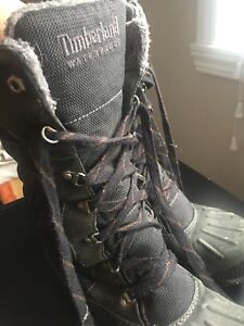 Winter boots 8 20$