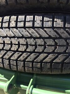p225/70/16 inch Firestone Winter Force Tire / LOTS OF TREAD