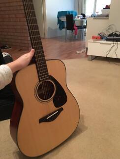 Yamaha FG700MS guitar &hard case