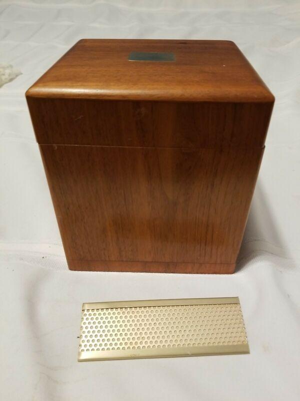 Vintage Decatur Industries USA  Humidor Cigar Box Genuine Walnut Wood Decc