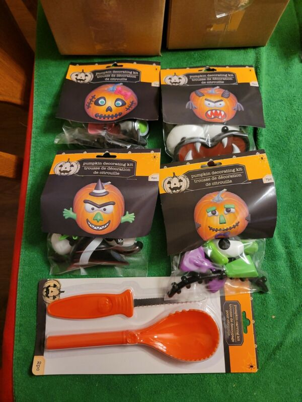 1 Halloween Pumpkin Carving Kit And 4 Sets of  Accessories Kit Lot