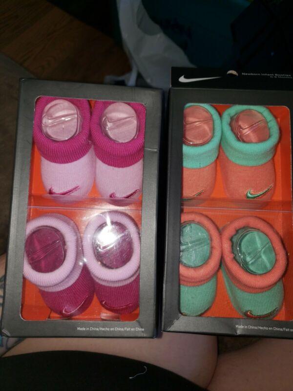 New 2 Packs Of NIKE Girls Sock Booties