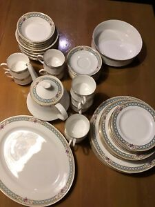 China Set - Paragon Burford Pattern