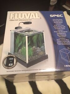 Fluval Desktop Aquarium 2 Gallon