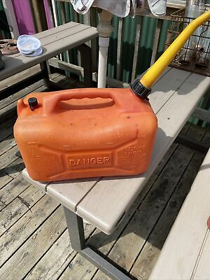 4 Gallon Gas Can Wedco Vented Plastic Old Style