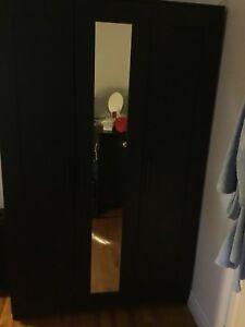 Garda- robe noir