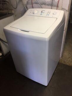 9.5 kg washing machine/with warranty
