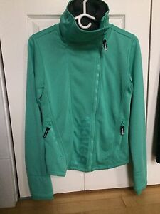 Bench jacket with side zip