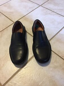 Men's Black Leather Shoes - like new
