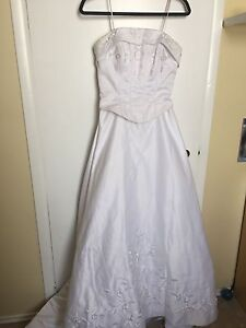 Size 8 wedding gown and train