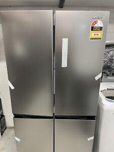 SAMSUNG 488L French Door Refrigerator. Model: SRF5500S