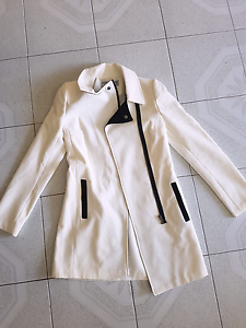 White size 6 womens winter jacket, dress coat Lisarow Gosford Area Preview