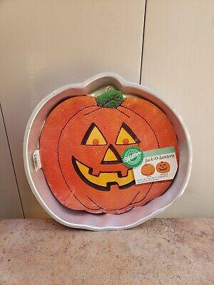 Wilton Jack-o-Lantern Pumpkin Face Halloween Cake Pan 502-2928 (1981)](Halloween Cake Tins)