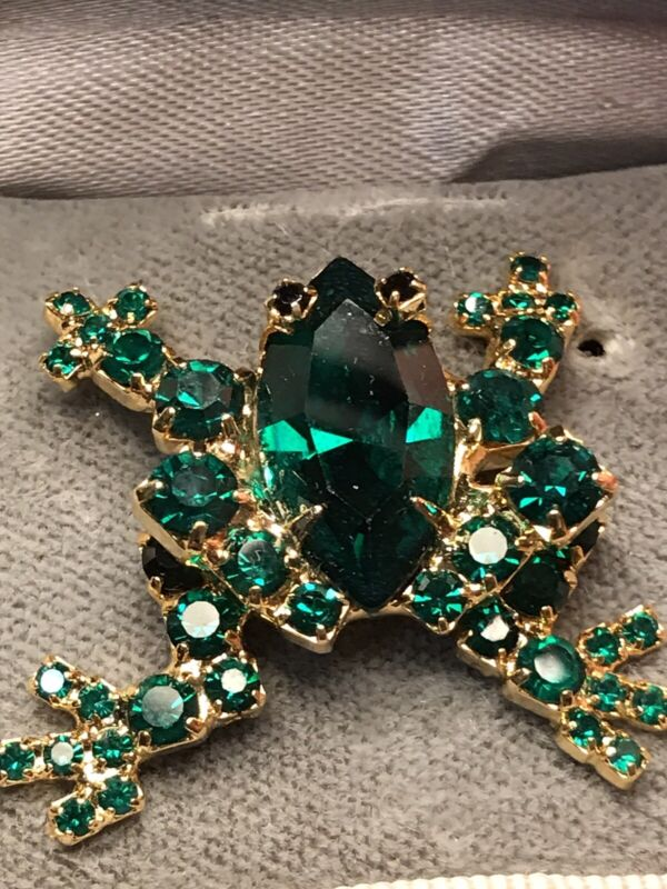 Vintage Green Rhinestones Frog Pin