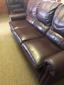 Couch zeichnung  couch in Melbourne Region, VIC | Sofas | Gumtree Australia Free ...
