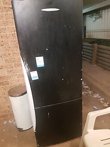 Fridge, works perfectly Campbelltown Campbelltown Area Preview