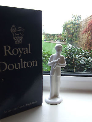 ROYAL DOULTON CLASSIC IMAGES CLEVER BOY HN4482 MIB MADE IN ENGLAND