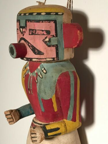 SUPER MID 20TH C HOTOTO BADGER KACHINA,HAND CARVED COTTONWOOD ROOT,PAINTS,EXCELT