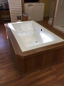 Mirolin drop in jet tub