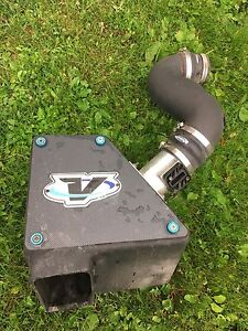 2004 Ford Explorer Volant cold air intake