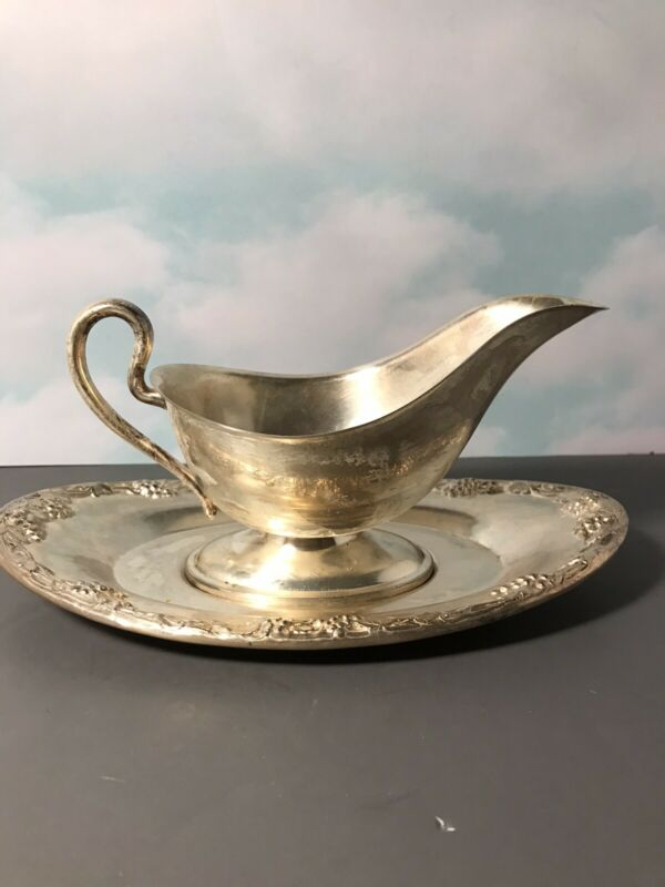 Vintage Silver Plate Gravy Boat With Tray Circa 1940's