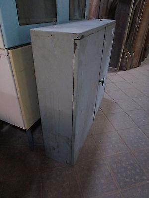 RAR Wand-Metall-Schrank Industriedesign Blech-Schrank um 1960 Alelier Loft Bar