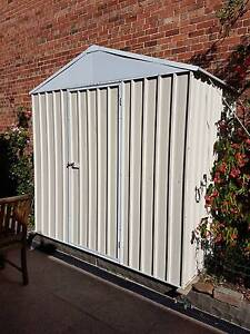 GARDEN SHED - VERY GOOD CONDITION -  TEMP STORAGE WHILE BUILDING. Middle Park Port Phillip Preview