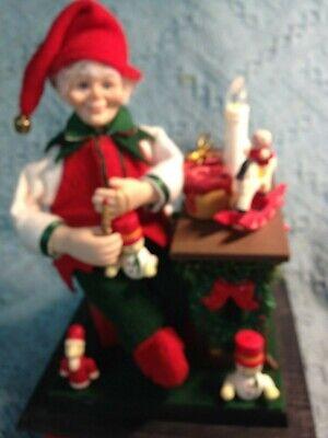 VINTAGE HOLIDAY CREATIONS 1990 NOEL HOLIDAY SCENE LIGHTED MUSICAL ELF - Elf Scenes