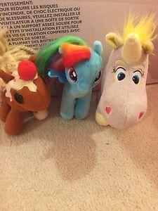 3 stuffed horses