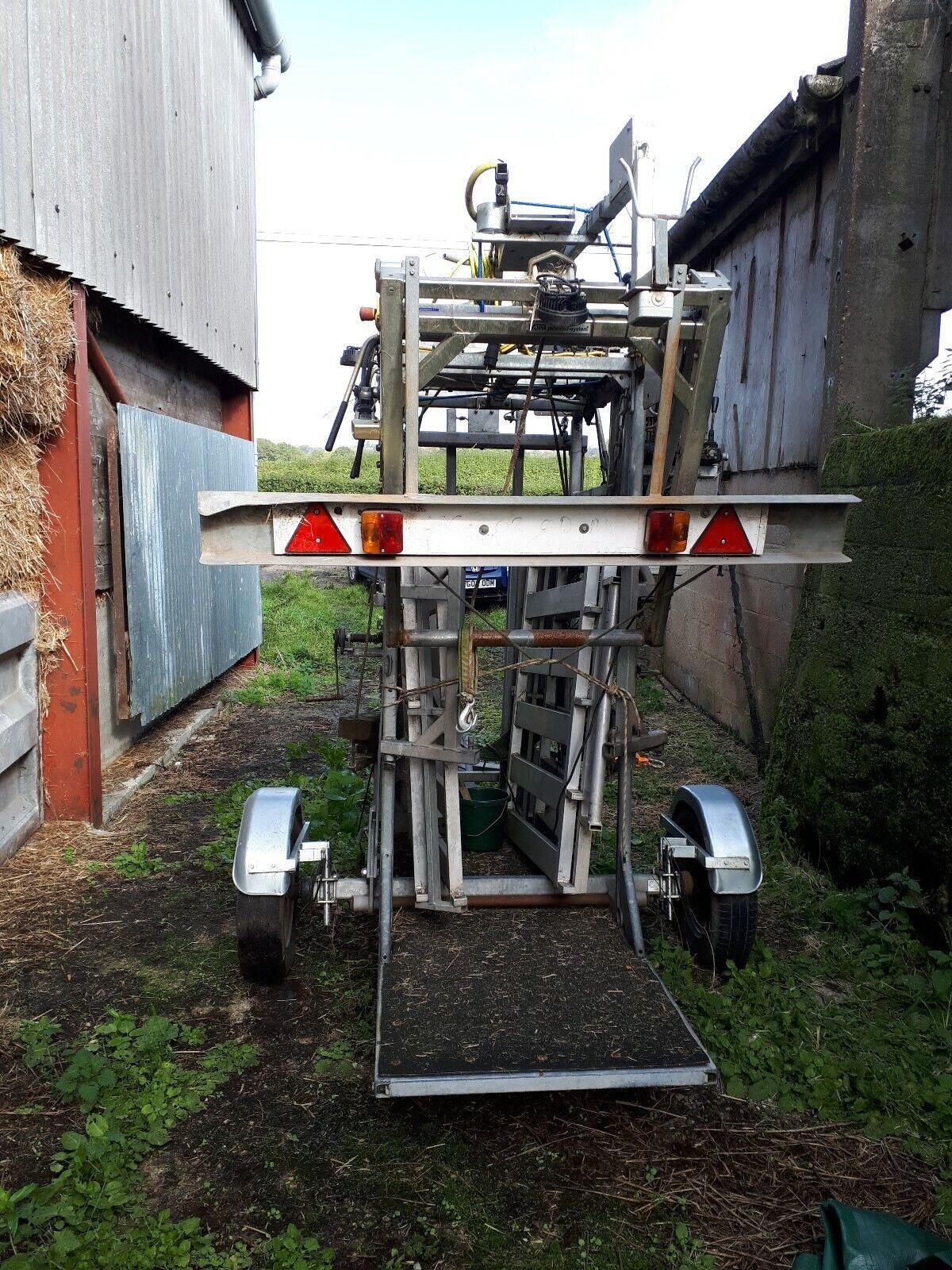 Wopa 39 Hydraulic cattle foot crush