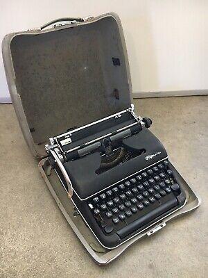 Vintage Olympia De Luxe Typewriter