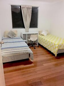 125 dollars share room ( 2mins walk away from merrylands train station Merrylands Parramatta Area Preview