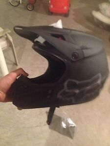 Brand new fox helmet Size:small