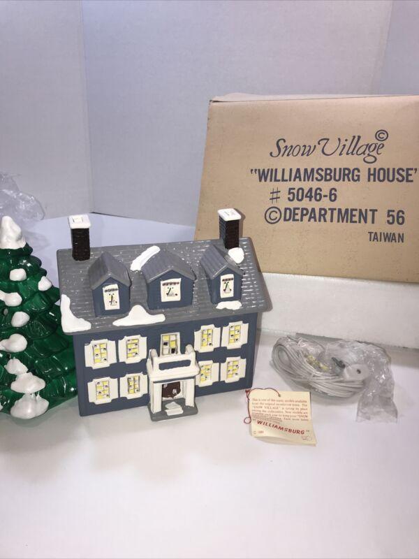 """1986 Vintage Dept. 56 Snow Village Williamsburg - """"Retired"""" - Tested & Works"""