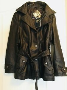 Ladie,s leather jacket size M.